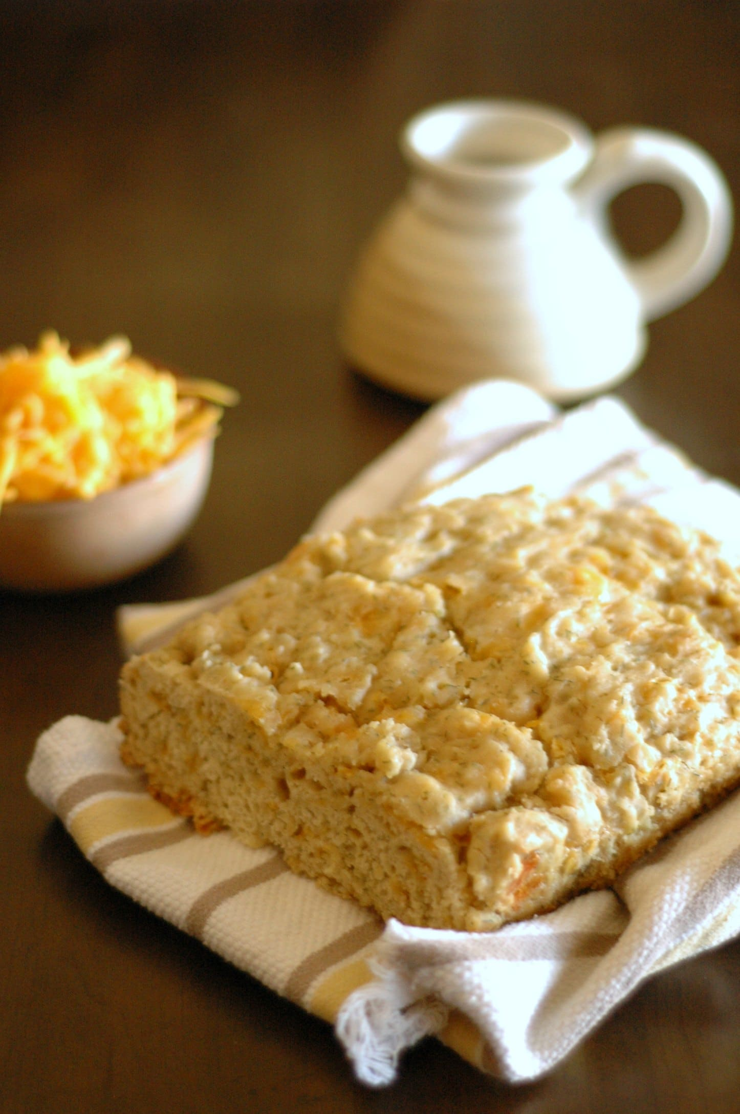 Slow Cooker Cheddar Ale Bread with Dill