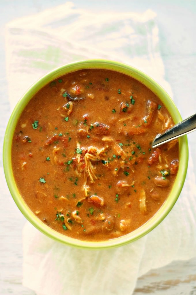 Slow Cooker Cheesy Chipotle Chicken Chili