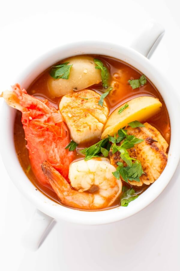 Slow Cooker Spicy Seafood Stew