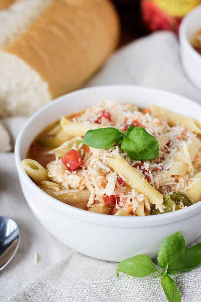 slow-cooker-chicken-parmesan-soup-1