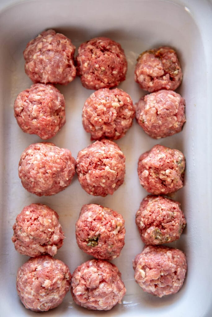casserole slow cooker with 15 uncooked meatballs